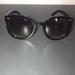 black sunglasses from Urban Outfitters